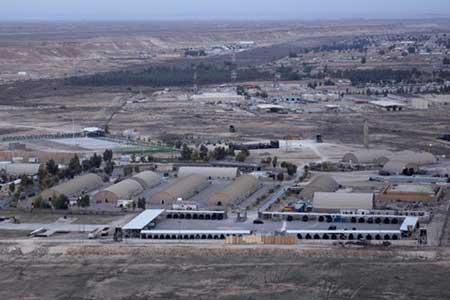 حمله گسترده موشکی به پایگاه عین الاسد